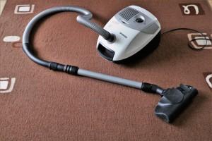vacuum-cleaner-1605068_1920