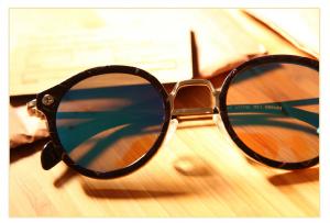 glasses-923784_1280
