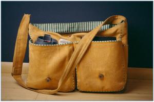 satchel-925459_1920