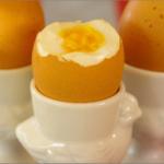 レンジで温めるとゆで卵が爆発する原理!温め方・アルミホイルで作る方法