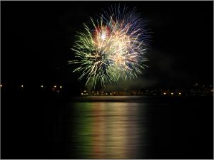 fireworks-919628_1920