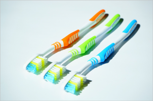 tooth-brushes-1117266_1920