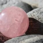 ピンクムーンストーンが持つ意味・石言葉とは?パワーストーンとしての効果は?