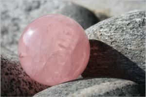 rose-quartz-422715_1920