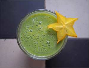 green-smoothie-1394103_1920