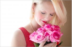 beautiful-woman-1435546_1920