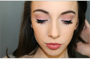 makeup-1261337_1280