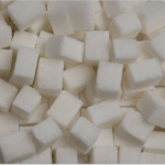 氷砂糖の主な使い道・作り方とは?賞味期限はどのくらい?
