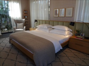 couple-room-1613619_1920
