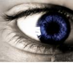 涙が止まらない原因とは?考えられる病気は涙腺症?