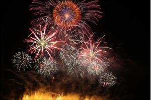 shakadogawa-fireworks-610717_1920 (1)