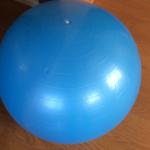バランスボールのサイズ・選び方☆効率よく筋力UPするトレーニング5選