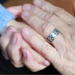 母や祖母との付き合いが年々難しくなっていく時の対処法